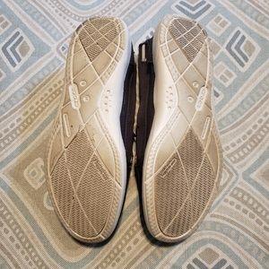 CROCS Shoes - Crocs Walu Canvas Loafer